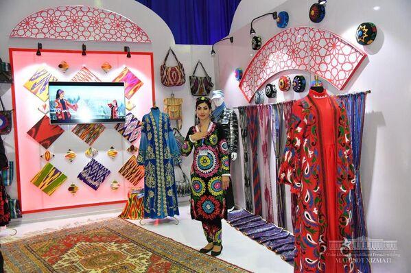 Таджикские товары на выставке в Республике Узбекистан - Sputnik Таджикистан