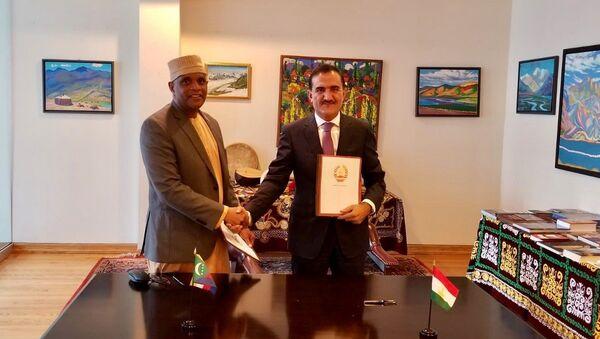 Установление дипломатических отношений между Республикой Таджикистан и Союзом Коморских Островов - Sputnik Таджикистан