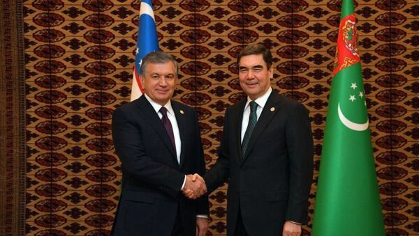 Президенты Узбекистана и Туркменистана Шавкат Мирзиёев и Гурбангулы Бердымухамедов - Sputnik Таджикистан