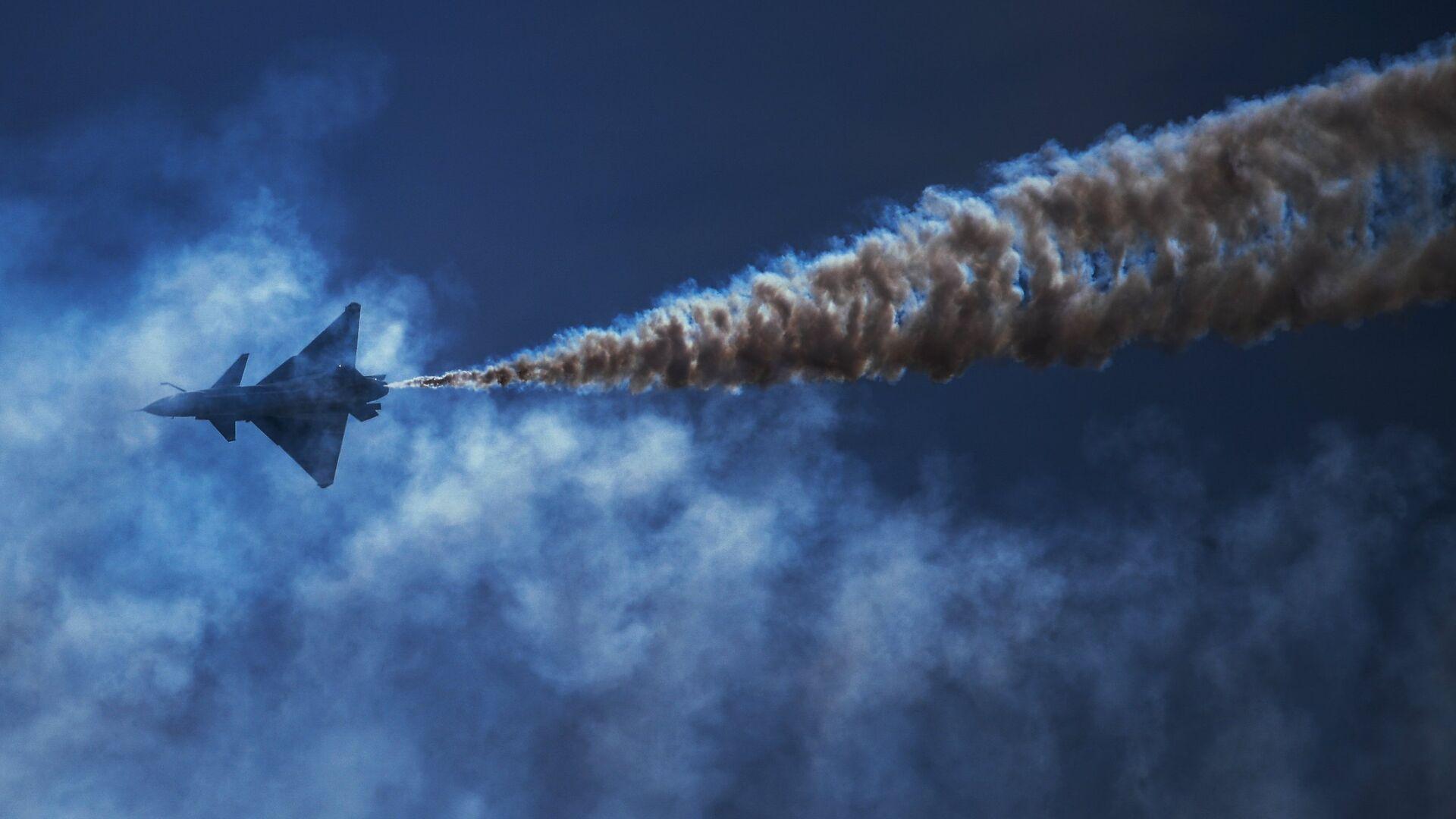 Истребитель, архивное фото - Sputnik Таджикистан, 1920, 20.02.2021