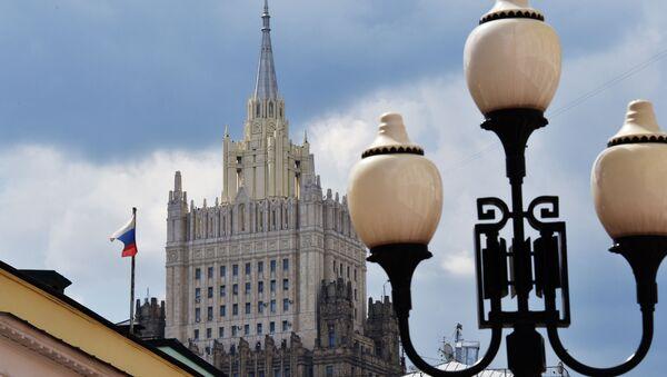 Здание министерства иностранных дел РФ на Смоленской-Сенной площади в Москве. - Sputnik Таджикистан