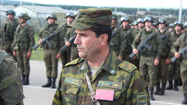 Таджикский подполковник Рустам Джабаров - Sputnik Тоҷикистон