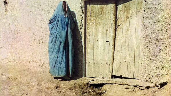 Женщина в парандже, Самарканд - Sputnik Таджикистан