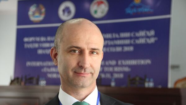 Председатель Совета по развитию туризма при Комитете по развитию туризма при правительстве Таджикистана Давлат Хабибов - Sputnik Тоҷикистон