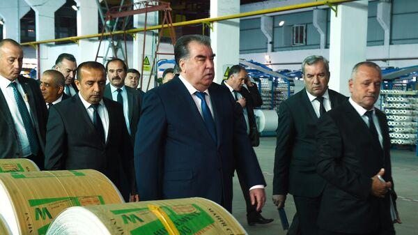 Эмомали Рахмон открыл новые цеха на заводе в Яване - Sputnik Таджикистан