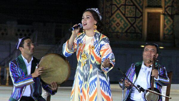 Выступление узбекского ансамбля, архивное фото - Sputnik Тоҷикистон