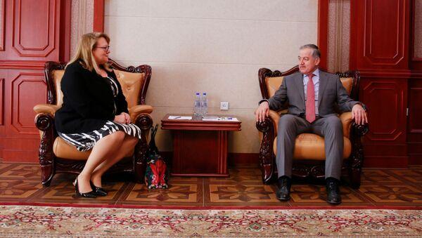 Министр иностранных дел Таджикистана Сироджиддин Мухриддин, и глава ОБСЕ в Таджикистане Туула Юрёла - Sputnik Тоҷикистон