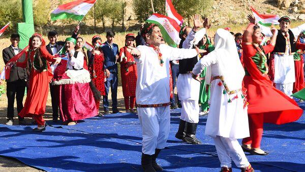 Таджикские народные танцы - Sputnik Таджикистан
