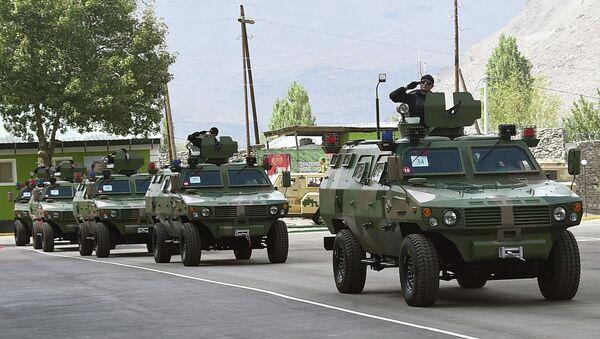 Гузашти техникаи низомӣ дар отряди сарҳадии Хоруғ - Sputnik Таджикистан