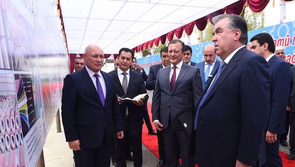 Эмомали Рахмон запустил строительство девяти новых предприятии в промышленной зоне в Душанбе - Sputnik Тоҷикистон