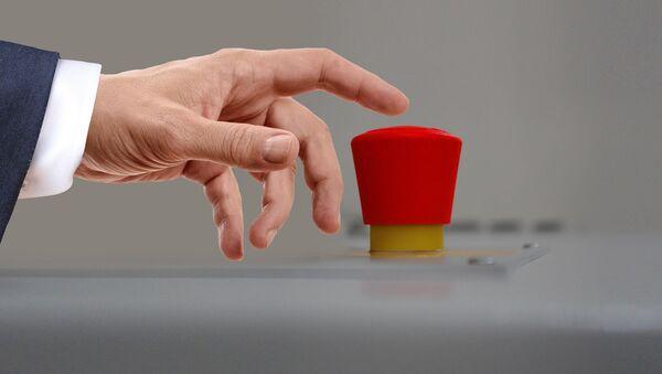 Нажатие кнопки, архивное фото - Sputnik Таджикистан