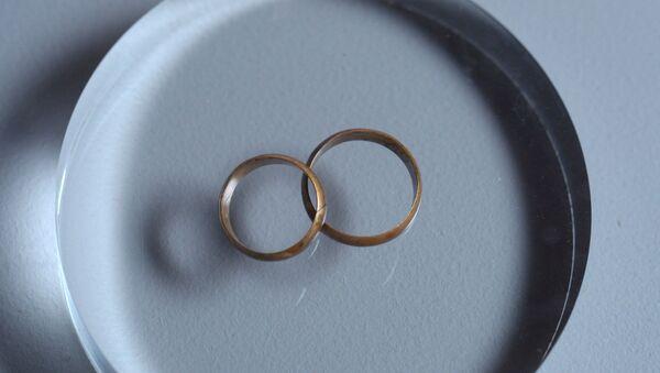 Обручальные кольца, архивное фото - Sputnik Таджикистан