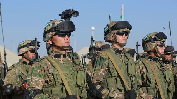Двусторонние учения военных Узбекистана и Таджикистана поуничтожению условных террористических группировок - Sputnik Тоҷикистон