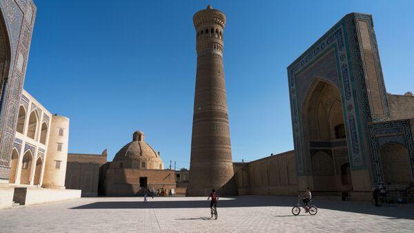 Мечеть Калян в городе Бухара, архивное фото - Sputnik Тоҷикистон