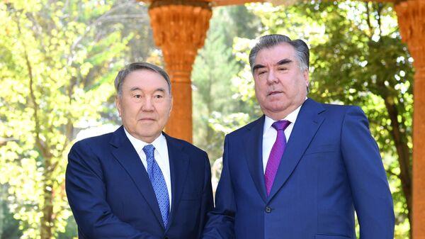 Президент Казахстана Нурсултал Назарбаев и президент Таджикистана Эмомали Рахмон - Sputnik Тоҷикистон