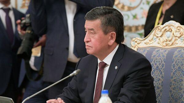 Президент Кыргызстана Сооронбай Жээнбеков - Sputnik Тоҷикистон