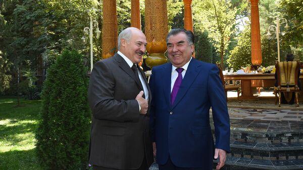 Президент Таджикистана Эмомали Рахмон и глава Беларуси Александр Лукашенко в Душанбе - Sputnik Тоҷикистон