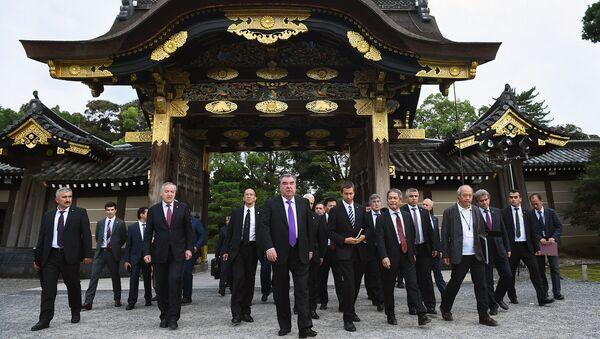Президент Таджикистана Эмомали Рахмон прибыл с официальным визитом в Японию - Sputnik Таджикистан