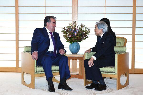 Встреча Рахмона с Императором Японии Акихито - Sputnik Таджикистан
