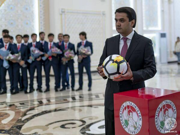 Старший сын президента Таджикистана Рустам Эмомали - Sputnik Таджикистан