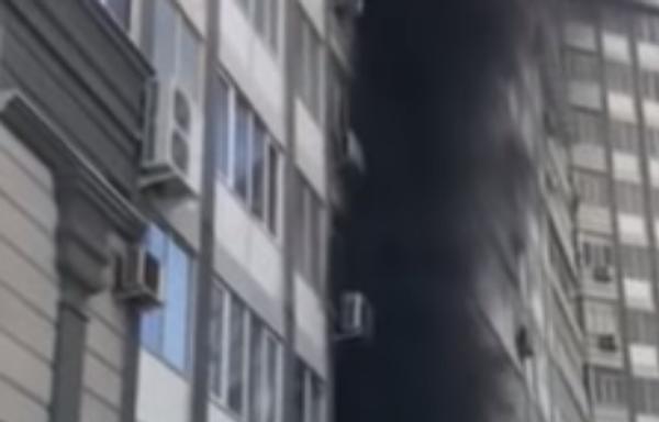 Пожар у ресторана Citir Usta в Душанбе  - Sputnik Тоҷикистон