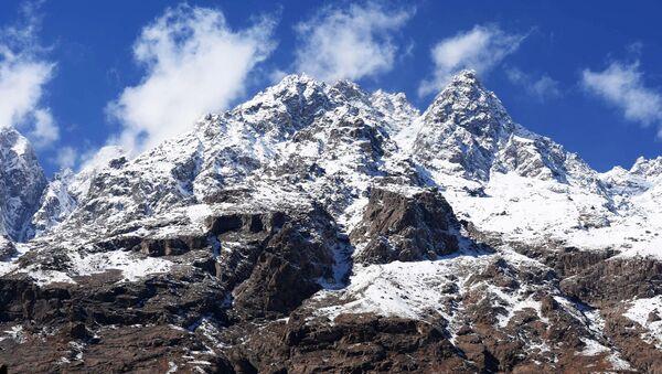 Горы в  Таджикистане, архивное фото - Sputnik Тоҷикистон