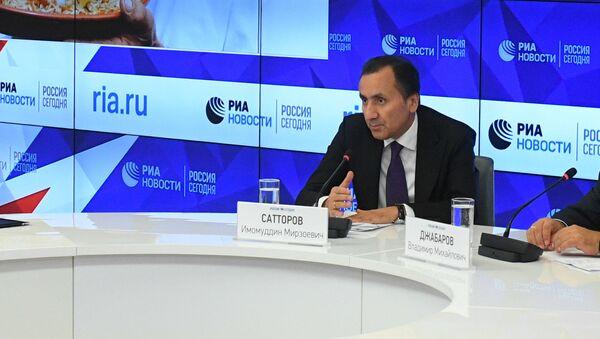 Чрезвычайный и Полномочный посол Таджикистана в России Имомуддин Сатторов - Sputnik Тоҷикистон