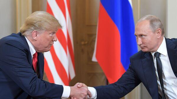 Встреча президента России Владимира Путина и президента США Дональда Трампа - Sputnik Тоҷикистон