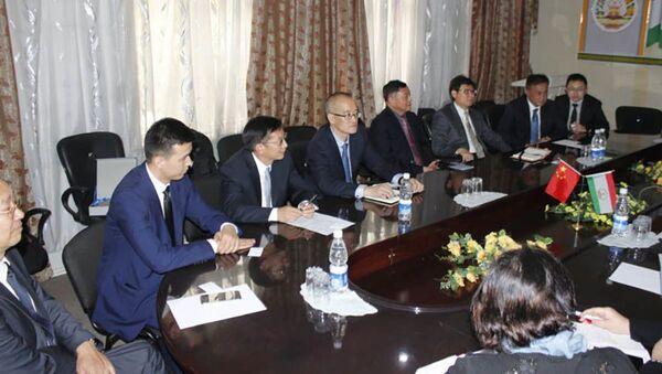 Встреча китайской делегации из провинции Юньнань с председателем ведомства Таджикистана Шарифом Саидом - Sputnik Тоҷикистон