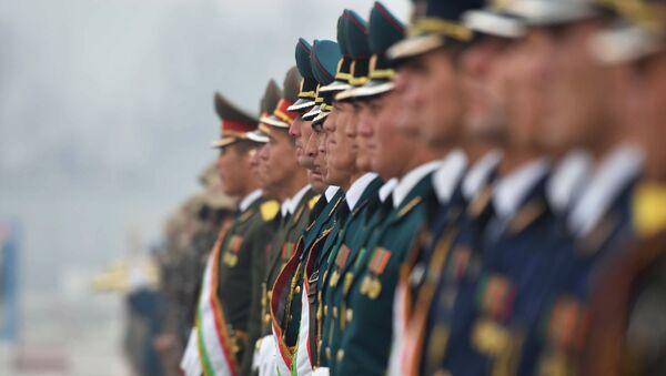 Военнослужащие Вооруженных сил Таджикистана, архивное фото - Sputnik Таджикистан
