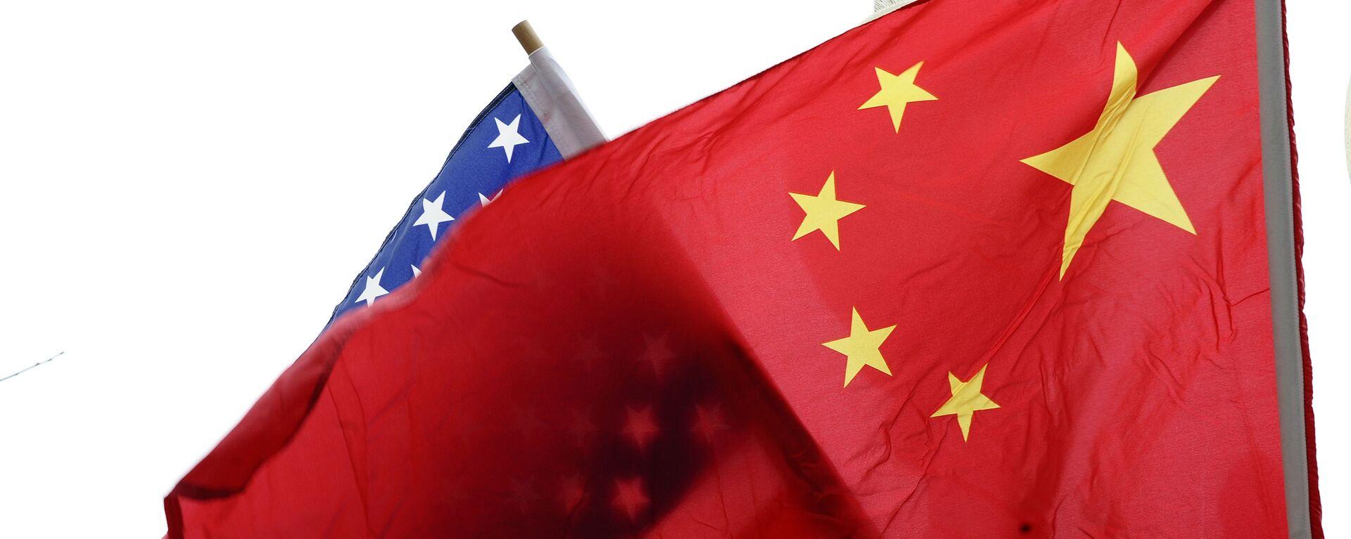 Флаги США и Китая, архивное фото - Sputnik Таджикистан, 1920, 26.05.2021