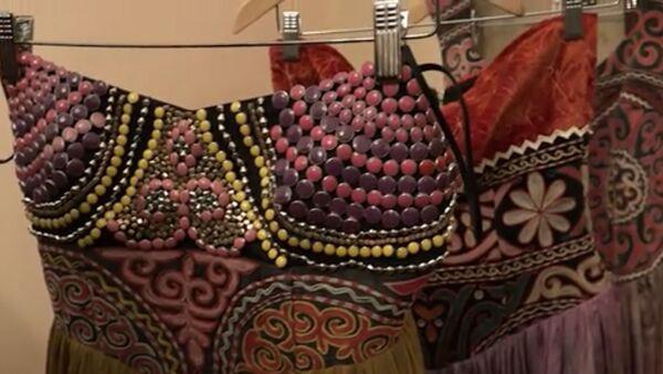 Национальные орнаменты и яркие принты: дизайнеры рассказали о трендах на Fashion Week - Sputnik Таджикистан