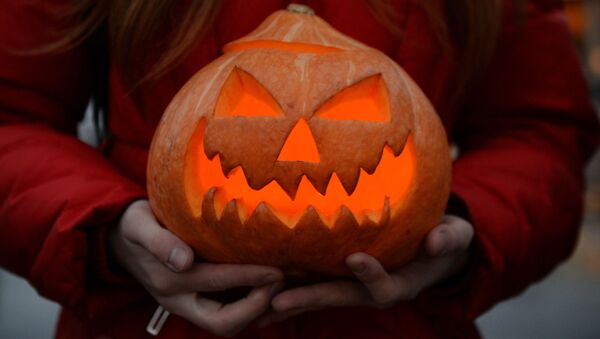 Участница Зомби-парада на Хэллоуине. архивное фото - Sputnik Тоҷикистон