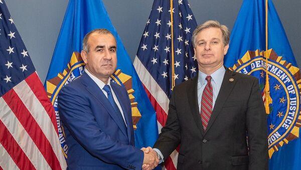 Генеральный прокурор Республики Таджикистан с директором ФБР США - Sputnik Тоҷикистон