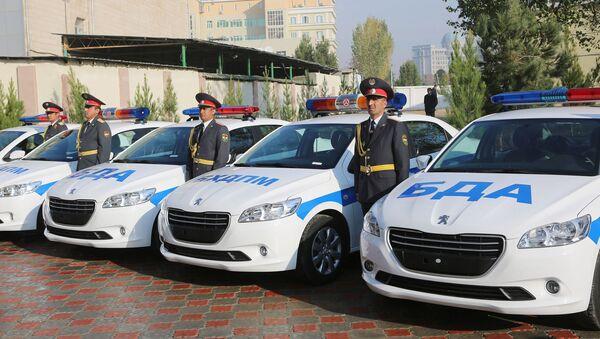 Церемония присвоения очередных званий сотрудникам милиции - Sputnik Тоҷикистон
