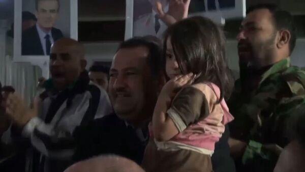 Освобождение женщин и детей,  взятых в заложники террористами в Сирии - Sputnik Таджикистан