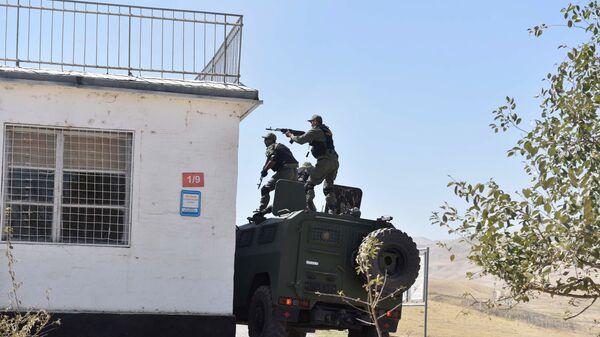 Спецназ Таджикистана на 201-й российской военной базе, архивное фото - Sputnik Тоҷикистон