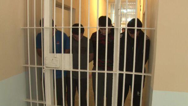 Задержанные за групповые разборки в Душанбе с применением ножа  - Sputnik Тоҷикистон