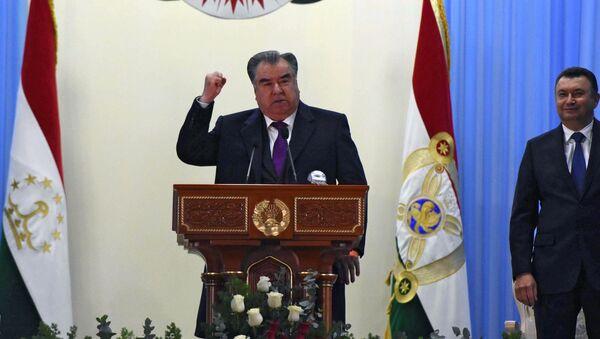 Президент Таджикистана Эмомали Рахмон на открытии первого гидроагрегата на Рогунской ГЭС в Таджикистане - Sputnik Тоҷикистон