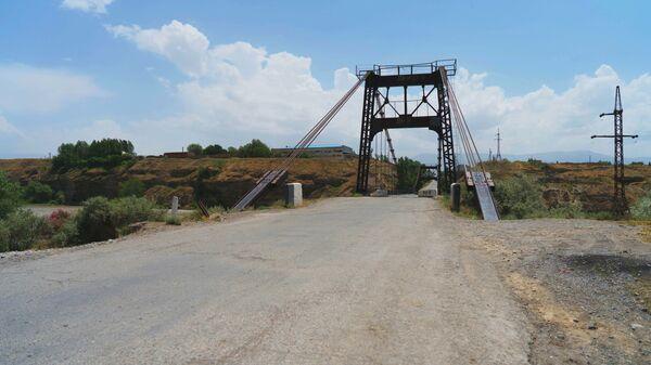 Мост через реку Зеравшан в городе Пенджикент, архивное фото - Sputnik Тоҷикистон