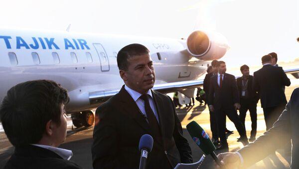 Пресс-секретарь национальной авиакомпании Таджик Эйр, Азиз Хайруллоев - Sputnik Тоҷикистон