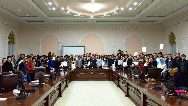 На севере Таджикистана проходит молодежный форум Деловая Евразия - Sputnik Таджикистан