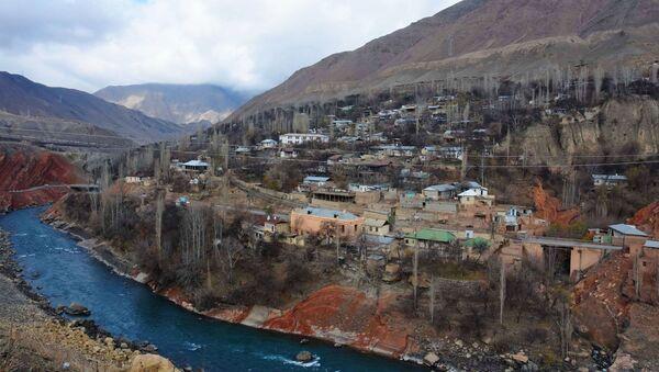 Кишлак Хушекат Айнинского района Таджикистана, архивное фото - Sputnik Тоҷикистон