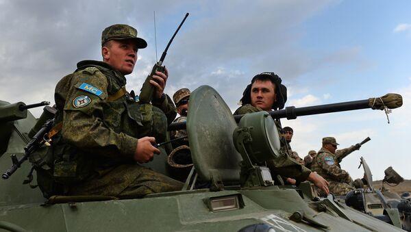 Миротворцы Минобороны России на совместных учениях миротворческих сил ОДКБ, архивное фото - Sputnik Таджикистан