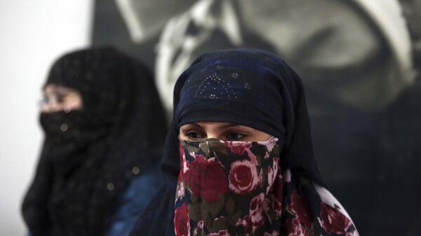 Афганская женщина, архивное фото - Sputnik Тоҷикистон