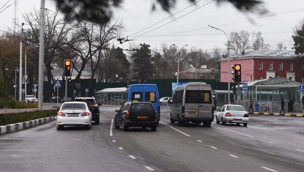 На дороге в Душанбе, архивное фото - Sputnik Таджикистан