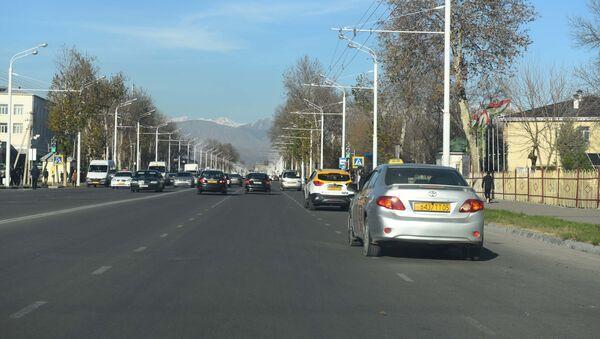 Движение на улице Душанбе - Sputnik Таджикистан