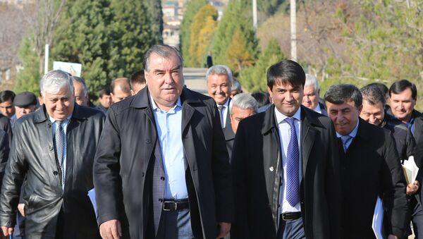 Рахмон и Рустам Эмомали посетили Национальный парк Таджикистана - Sputnik Тоҷикистон