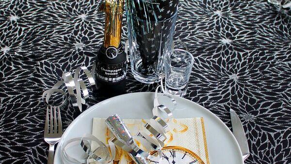 Новогодний стол, архивное фото - Sputnik Таджикистан