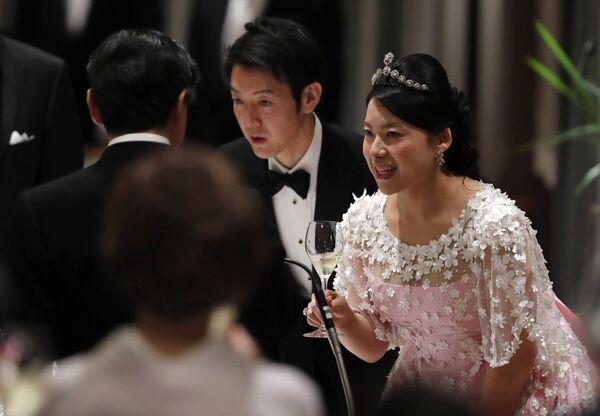 Бывшая принцесса Императорского дома Японии Аяко Мория и ее муж Кей Морию - Sputnik Таджикистан